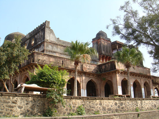 Kaliadeh-Water-Palace